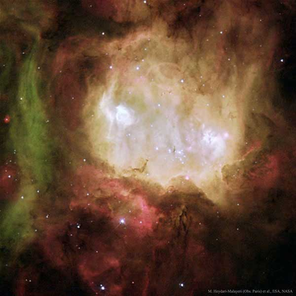 عکس خارقالعاده هابل از سحابی سر روح را ببینید