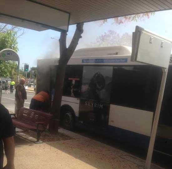 مرد روانی راننده اتوبوس را آتش زد + عکس