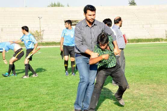 635127042942506818 An Iranian youth team coach is arrested after he assaulted a referee [Video & Pictures]