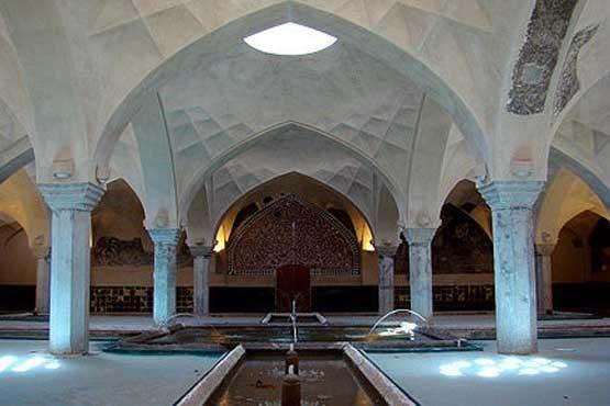تبلور-هنر-معماری-و-ذهن-خلاق-ایرانیان؛-راز-گرم-شدن-حمام-شیخبهایی-تنها-با-یک-شمع