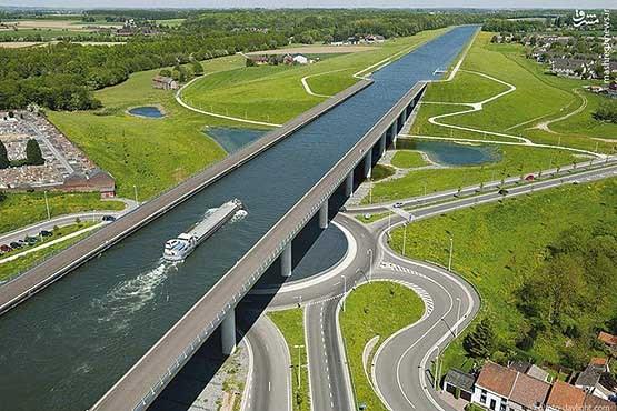 پلی برای عبور کشتیها + عکس