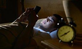 اثرات زیانبار استفاده از گوشیهای هوشمند در زمان خواب