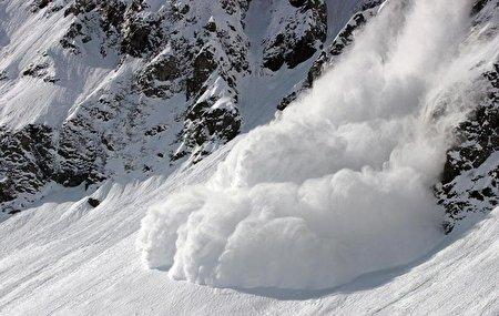 یک کوهنورد و مدرس کوهنوردی: «اهمال» در عملیات امداد و نجات حوادث اخیر ارتفاعات تهران؟