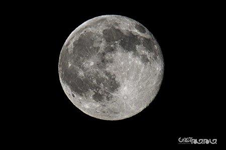 صد هزار عدد؛ تعداد دهانه های موجود در ماه+عکس