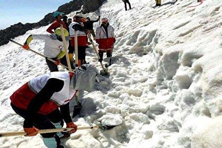 روایت کوهنوردان و امدادگران هلال احمر از حوادث مرگبار ارتفاعات شمال تهران