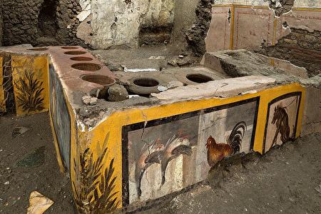 غذافروشی که در ویرانه های پمپئی کشف شد