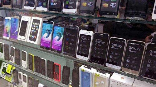 برخورد تعزیرات با گرانفروشی برخی فروشندگان تلفن همراه