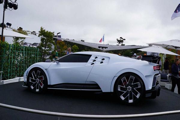 اتومبیل 8 و نیم میلیون پونذی رونالدو چشم ها را خیره کرد (تصاویر)