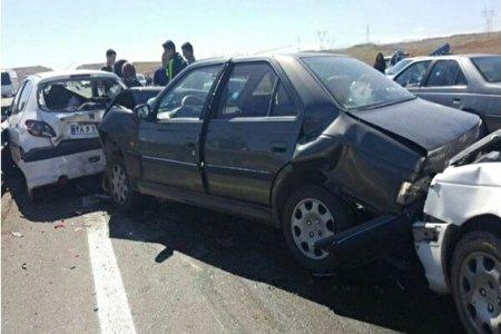 تصادف زنجیره ای 8 وسیله نقلیه در پل بسیج اراک