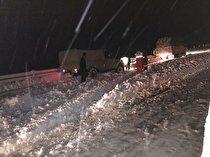 امدادرسانی هلال احمرکردستان به ۷۲۲ مسافر در برف وکولاک